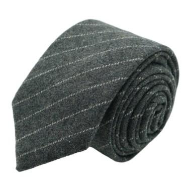 Cravate mode en Laine mélangée pour Homme. Gris clair à fines rayures blanches