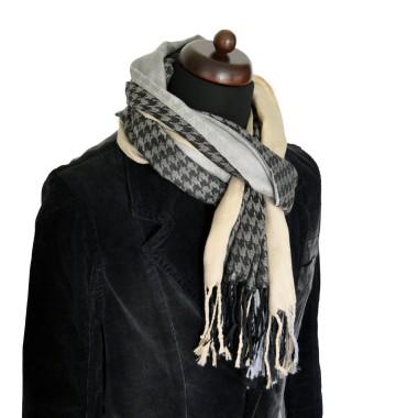 Foulard à motifs 'Pied de poule' . Unisexe, homme ou femme. Léger, agréable à porter.