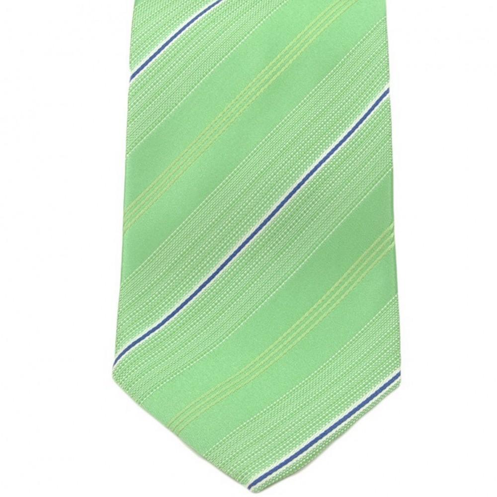 Cravate Saint Hilaire. Vert à fines rayures.