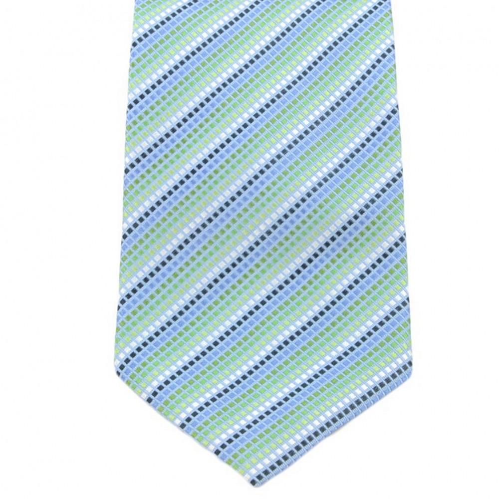 Cravate Saint Hilaire. Bleu ciel à petits carreaux.