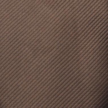 Coffret cravate, pochette, boutons de manchette et pince à cravate assortis. Marron