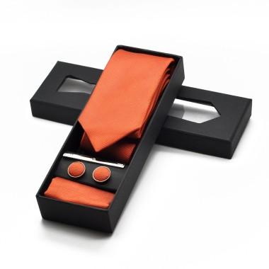 Coffret cravate, pochette, boutons de manchette et pince à cravate assortis. Orange