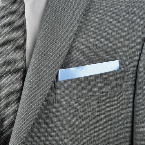Pochette de costume. Bleu ciel uni.