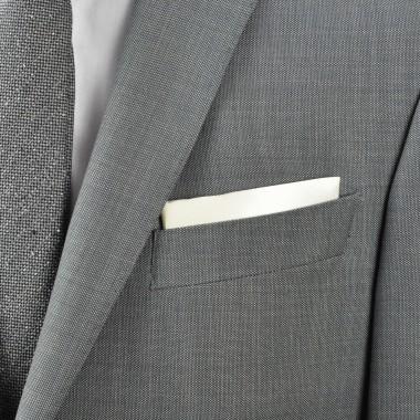 Pochette de costume. Blanc cassé uni.