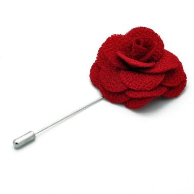 Broche Rouge pour boutonnière de costume homme.