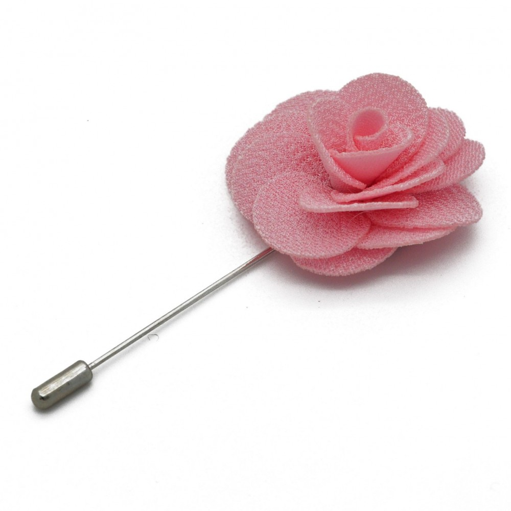 Broche Rose pour boutonnière de costume homme.