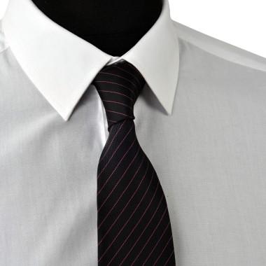 Cravate Enfant Noire à rayures violettes.