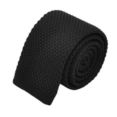 Cravate tricot pour homme. Noir uni. Slim et bout carré.