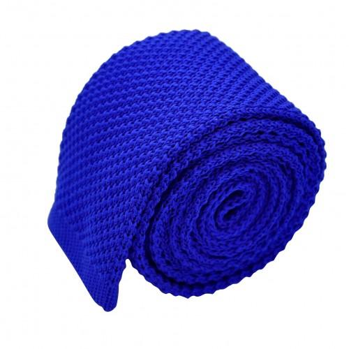 Cravate tricot pour homme. Bleu électrique uni. Slim et bout carré.