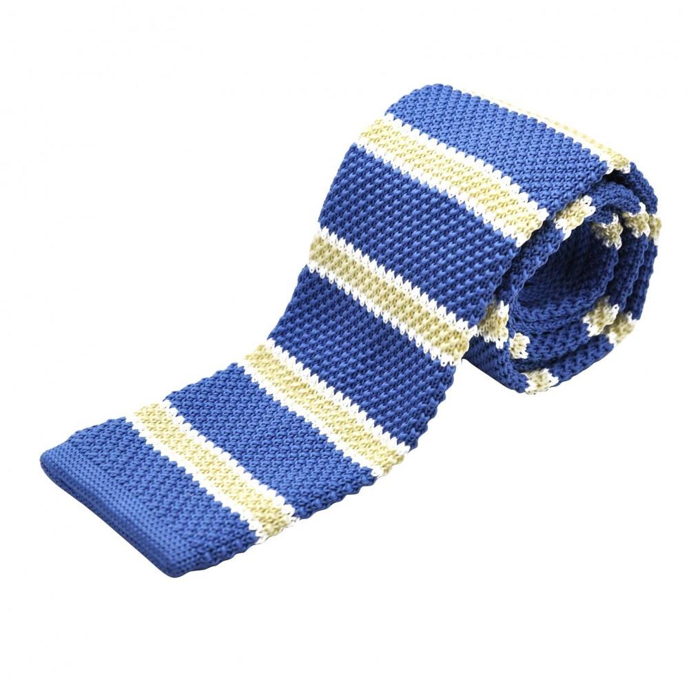 Cravate tricot à bout carré. Bleu à rayures jaunes.