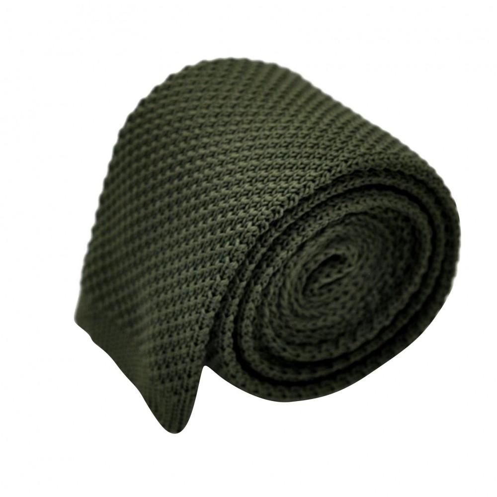 Cravate tricot pour homme. Kaki uni. Slim et bout carré.