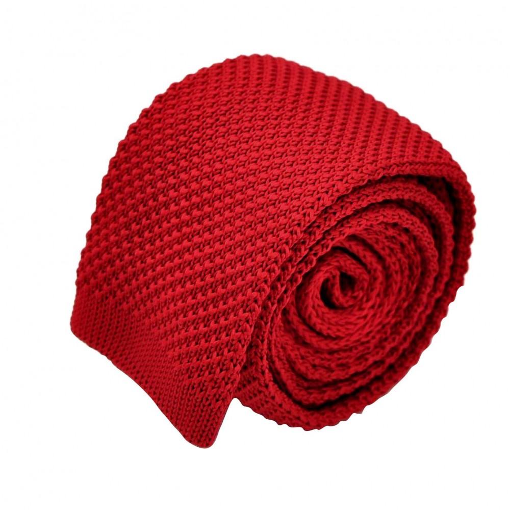 Cravate tricot pour homme. Rouge foncé uni. Slim et bout carré.