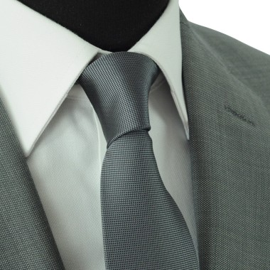 Cravate Classique Homme. Très fin quadrillage Gris Anthracite
