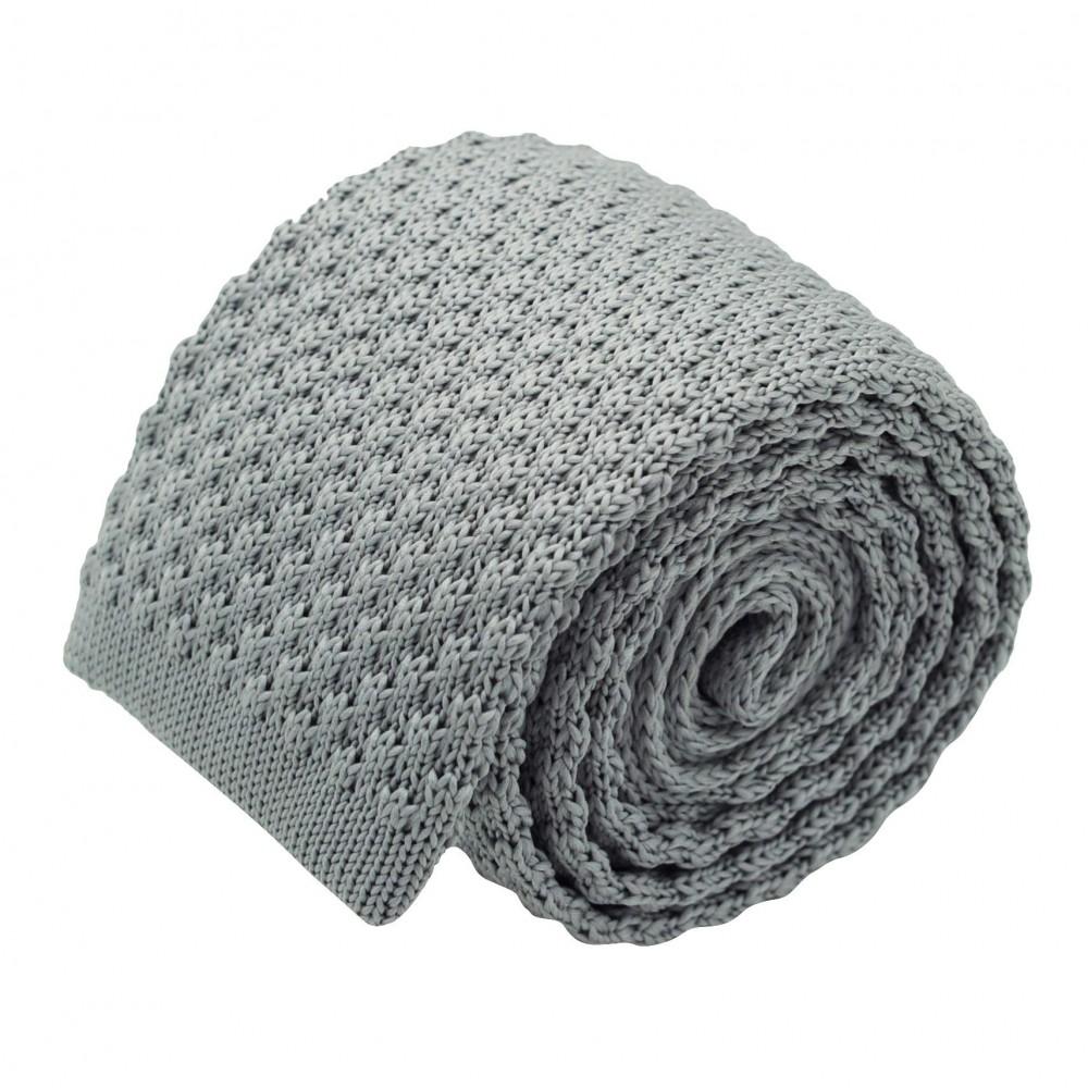 Cravate tricot pour homme. Gris argent. Grosse maille.