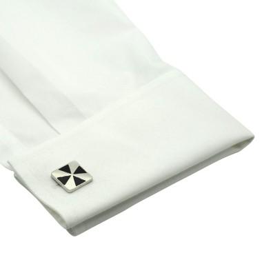 Boutons de manchette carrés noirs à motif triangle. Métal. Pour chemise mousquetaire homme.
